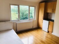 STUDIO FLAT FOR RENT WITH ALL BILLS INC IN KENLEY