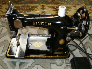 VINTAGE 1954 SINGER MODEL 128J SEWING MACHINE