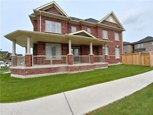Executive town home for lease! Corner unit! Aurora! LOW PRICE!