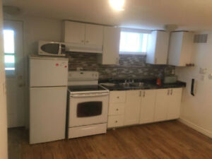 2 BEDROOM APARTMENT LOOKING TO SHARE WITH/PROFESSIONAL FEMALE :)