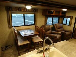 Couples 3-slide Travel Trailer with Rear Living Room Kitchener / Waterloo Kitchener Area image 7