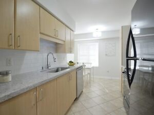 Upgraded 949 Sf Mattamy Built Executive Townhome, 2 Bed