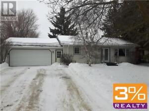 R36//Minnedosa/Cute bungalow in the NE of town ~ by 3% Realty