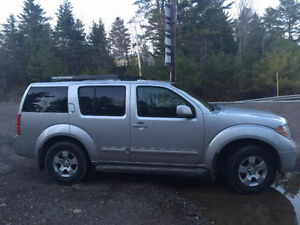 TRADE FOR 4X4 PICKUP - 2007 Nissan Pathfinder SE SUV