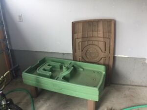 Free stroller, high chair, small pool, water table