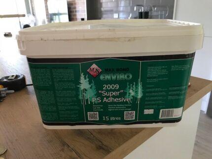 Super adhesive enviro for vinyl tiles