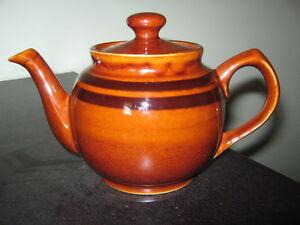 2 small teapots London Ontario image 2
