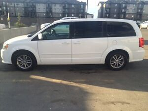 2014 Dodge Grand Caravan r/t, Fully Loaded Leather, Nav and more