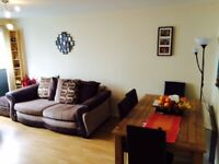 ShortTerm Or Holiday - 2 bedroom flat in Wallace St, Glasgow- Available NOW Until 31-Dec-2020.