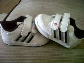 Toddlers trainers ( 4 )