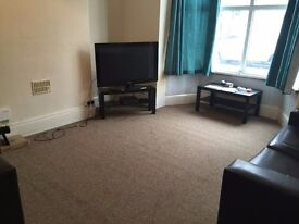 Check out this 5 bed property, in the perfect location for students!