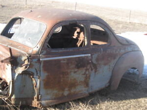 1946 Ford business Coupe parts car
