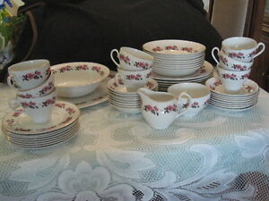 Ridgway Romance White Mist China Set