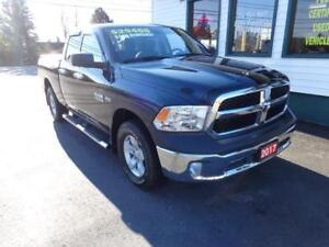2017 Ram 1500  SXT 4x4 w/ Hemi & Chrome package!