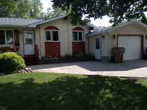 3 Bedroom Bungalow For Sale - 263 MARKWELL DRIVE