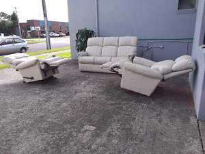 3 seater and 2 single seater leather recliners Echuca Campaspe Area Preview