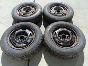 4 Motomaster Tires with Rims 205/65/15