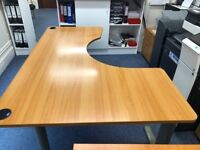 office desks in a very good condition!!