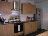 AVAILABE 5 BED PROPERTY IN NEW MALDEN KT3!!! GOOD SIZE FOR SHARERS !!!