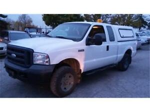 2006 Ford F250 XL 4x4, 4 Doors, Tow package, Box cover EZ Loader