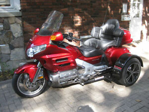 Price reduced!  Honda Gold Wing: 2 touring machines in one