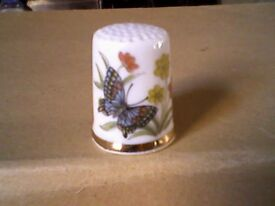 SWALLOWTAIL BUTTERFLY WITH FLOWERS THIMBLE - NEW
