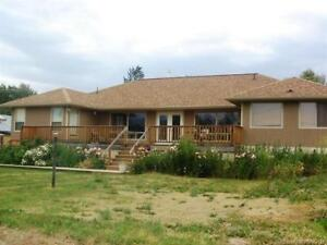 3323 Powerhouse Rd, Armstrong BC - Armstrong Rancher on 1 Acre!