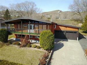 8500 Lakeview Dr, Coldstream BC - Quality Built Home!