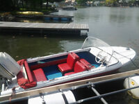 @@FUN BOAT IN WATER BEING USED COME SEE 800$ @@