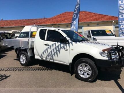 2010 Mitsubishi Triton MN MY11 GLX (4x4) White 5 Speed Manual Club Cab Chassis