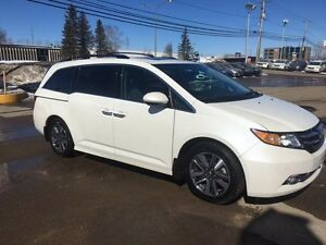 2016 Honda Odyssey TOURING FULL LOAD AND MORE