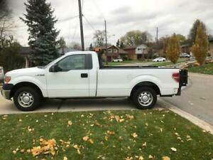 2011 FORD F150 with HYDRAULIC TOMMY LIFTGATE
