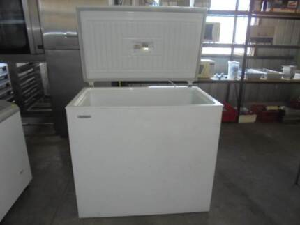 WESTINGHOUSE CHEST FREEZER $275 Brendale Pine Rivers Area Preview