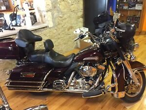 REDUCED TO SELL 2006 Harley-Davidson ElectraGlide Classic FLHTC