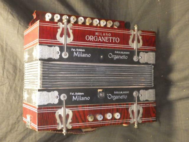 BUTTON BOX MILANO ORGANETTO GERMANY INSTRUMENT ACCORDION NICE COND