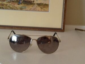 Ray-Ban Oversized Mirrored Aviator Sunglasses for Sale.