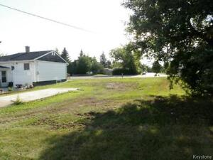 Commercial lot in high traffic location in downtown Shoal Lake!