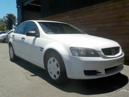 2006 Holden Commodore VE Omega White 4 Speed Automatic Sedan Labrador Gold Coast City Preview