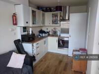 3 bedroom flat in F2, London, SE27 (3 bed)
