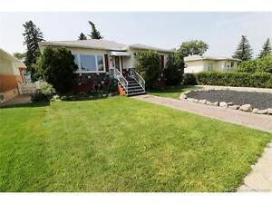 Renovated bungalow with granite and huge backyard for Nov1