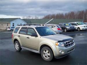 $89 BI WEEKLY OAC! 2010 FORD ESCAPE. + BRAND NEW TIRES =