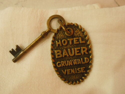 Hotel Bauer Grunwald Venise Italy Brass key fob with key