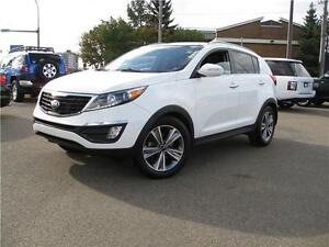 2014 KIA SPORTAGE FULLY LOADED/AWD/NV/LTHR low payments