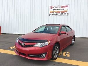 2014 Toyota Camry SE Leather & Moonroof Pkg
