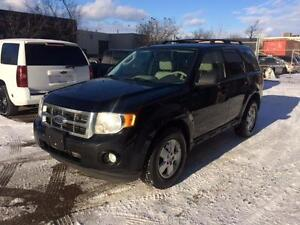 2010 Ford Escape XLT Leather! *FINANCING AVAILABLE*