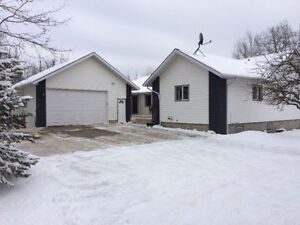 Acreage 8 Minutes from Sherwood Park