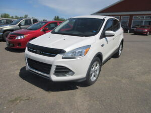 2014 Ford Escape 4X4  $45 WEEKLY SUV
