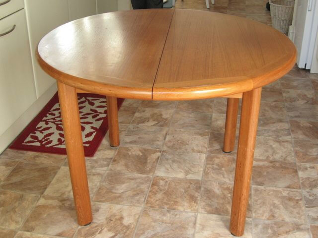 Maskreys Danish Teak Dining Table and 6 Matching Chairs - vintage/retro style