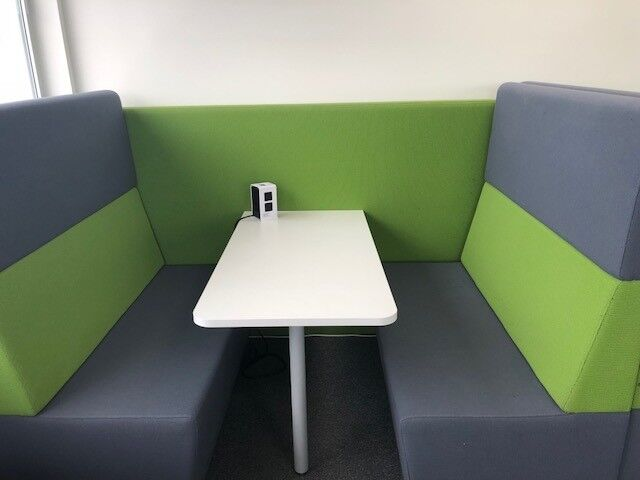Great Condition Office Booths Seats 4 With Middle