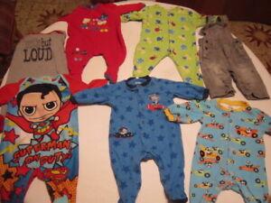 7 morceaux pour bébé garçon 0-3 mois pour $10.00